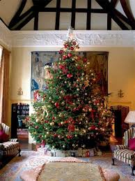 Which Christmas Tree Smells The Best Uk by Best 25 Christmas Tree Decorations Uk Ideas On Pinterest Diy