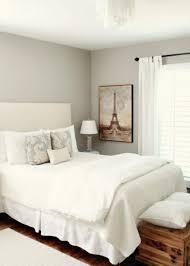 chambre blanche ikea 40 idées pour le bout de lit coffre en images