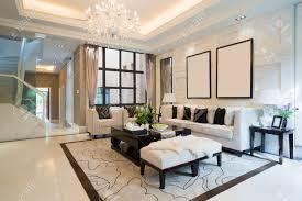 luxus wohnzimmer mit schöner dekoration