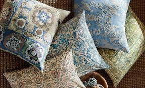 Pottery Barn Decorative Pillows by How To Spot Clean Decorative Throw Pillows Pottery Barn