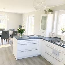 instagram wohn emotion landhaus küche kitchen modern grau