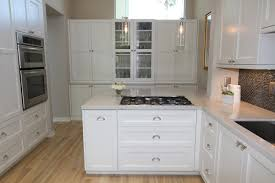 Kitchen Cabinet Hardware Ideas Pulls Or Knobs by White Kitchen Cabinets With Glass Knobs U2013 Quicua Com