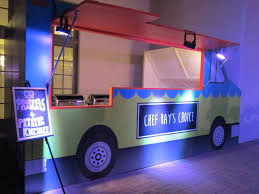 Encore Food Truck Facade - Encore Creative