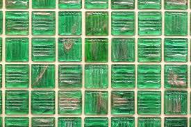 glasfliesen für das bad preise und anbieter im überblick