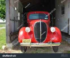 100 Antique Truck Very Old Barn Stock Photo Edit Now 3334099