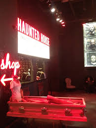 Scariest Halloween Attractions In Southern California by 7 Best Horror Haunts Images On Pinterest Haunted Attractions