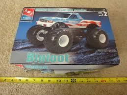 100 Bigfoot Monster Truck Toys AMT 1 25 Scale Model Kit For Sale Online EBay
