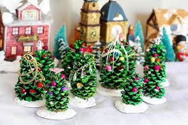 12 easy fun diy christmas crafts to make with kids simplemost