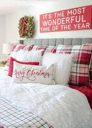 Plaid Christmas Bedroom Featuring White Walls Red Bedding And A Full Spruce Tree How To Decorate