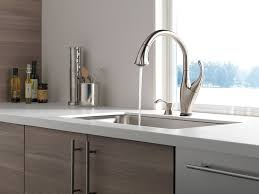 Delta Touch Faucet Battery Life by Delta 9192t Sssd Dst Review Kitchen Faucet Reviews