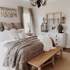 Gorgeous 51 Rustic Farmhouse Style Master Bedroom Ideas Besideroom