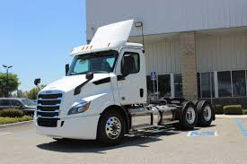 100 Transwest Truck Center FREIGHTLINER Cascadia 116 DC PE116DC 2019