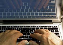Aol Online Help Desk by Web Sites Try To Clean Up Cesspool Of Online Comments The