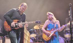 Concert Review: Tedeschi Trucks Band Kicks Off Tour With Booming Show