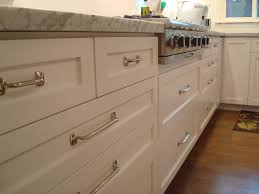 Proper Kitchen Cabinet Knob Placement by Furniture Remodeling Your Cabinets With Cabinet Knob Placement