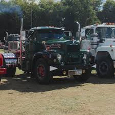 100 Mohawk Trucking Hudson Chapter Show Antique And Classic Mack Trucks General