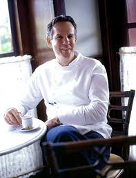 Chef Thomas Keller and a coterie of fans toast the legendary