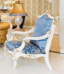 casa padrino luxus barock sessel blau weiß gold 80 x 70 x h 125 cm prunkvoller massivholz wohnzimmer sessel mit elegantem muster barock