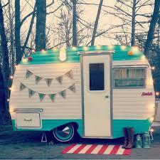 Little Vintage Camper Trailer Makeover 22