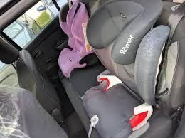 peut on mettre 3 siege auto dans une voiture 4 enfants dans une voiture compacte à petit budget les mondes de