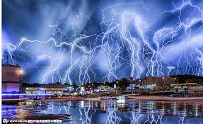Real Estate Agent Has Captured A Dramatic Thunderstorm Over The Skies Of Johannesburg South Africa Dozens Lightning Bolts Strike City At Once