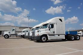 SelecTrucks Rolls Out New Emergency Roadside Service Program ...