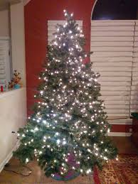 Prelit Christmas Tree That Lifts Itself by Christmas U2013 Nanowonders