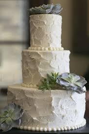 10 Simple Greenery Wedding Cake Decor Ideas