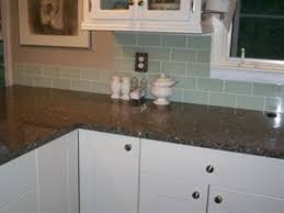 White Cabinets Dark Countertop Backsplash by White Kitchen Cabinets Dark Granite Countertops My Home Design