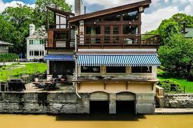 104 River Side House Side Home For Sale Is Built On An Old Boathouse Crain S Chicago Business