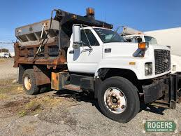 100 Salt Spreader For Truck Lot 2002 Chevy 8500 W Proxibid Auctions