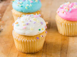 Buttercup Golden Cupcake W Vanilla Frosting