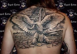 Superb 3D Weeping Angel Tattoo On Upper Back