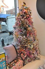 Christmas Tree Books Diy by How To Make A Newspaper Christmas Tree Newspaper Magazines And