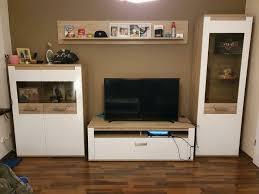 wohnwand led beleuchtung wohnzimmer schrank regal vitrine tv