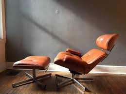Eames Lounge Chair And Ottoman Italian Made Replica On Eames ... Eames Lounge Chair Ottoman Replica Aptdeco Black Leather 4 Star And 300 Herman Miller Is It Any Good Fniture Modern And Comfort Style Pu Walnut Wood 670 Vitra Replica Diiiz Details About Palisander Reproduction Set
