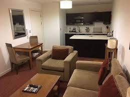 et cuisine cuisine et salon picture of premier suites manchester tripadvisor