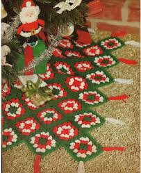 Crochet CHRISTMAS TREE SKIRT Pattern Vintage 70s