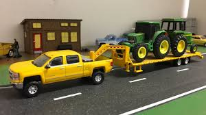1/64 Greenlight Hitch & Tow Gooseneck Truck And Trailer - YouTube