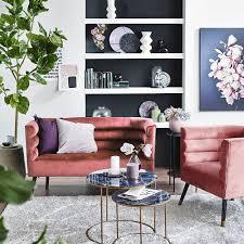 frische frühlingsdeko in grün rosa möbel laden samt