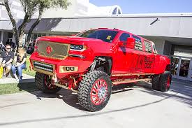 100 Cool Trucks Walking Around SEMA 25 TENSEMA16