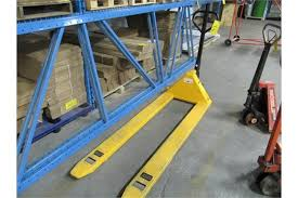 ULINE H 1779 3300 LONG NOSE PALLET TRUCK