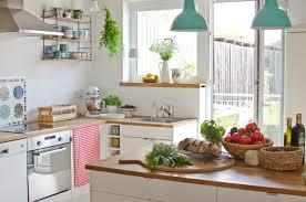 landhaus deko in der küche im sommer leelah