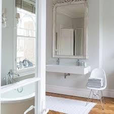 französisches weißes badezimmer