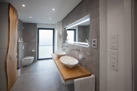 75 moderne badezimmer mit doppelwaschbecken ideen bilder