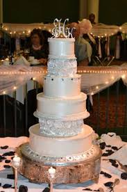 Bethel Bakery Wedding Cake Hannah with Double Heart