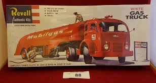 MOBILGAS TANKER TRUCK MODEL KIT SEALED BOX Amt Model Kit 125 White Freightliner Single Drive Tractor Ebay Italeri 124 3859 Freightliner Flc Model Truck Kit From Kh Kits On Twitter Your Scale From Swen Willer Dutch Truck Euro 6 Cversion Kit An Trucks Ctm Czech Sro Intertional Lonestar Czech Truck Car Amazoncom Diamond Reo Toys Games Tyrone Malone Super Boss Kenworth 930 New 135 Armor Amt Autocar Box Ford Aero Max Models Pinterest And Car Chevy Carviewsandreleasedatecom