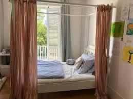 himmelbett in weiß mit oder ohne vorhänge