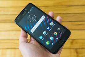 The Best Bud Android Phones Reviews by Wirecutter