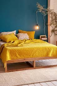 d馗o chambre bleu canard déco salon mur bleu canard chambre jaune moutarde mur bleu